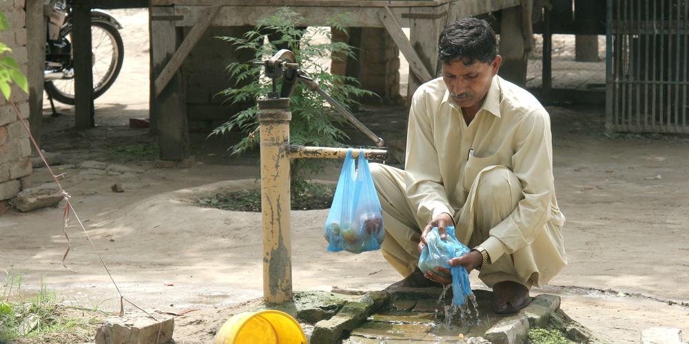 Pakistani Christian Cleaner Dies At Work