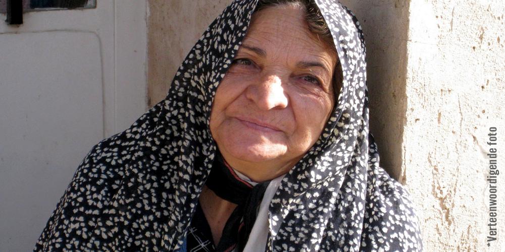 Bejaarde Vrou Vir 10 Dae Lank Ondervra